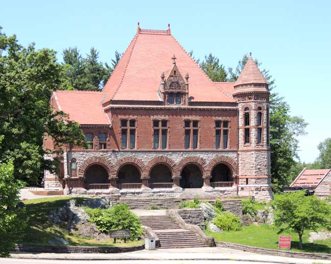 Oakes Ames Memorial Hall is an event venue that showcases the artistry of two celebrated Americans, H.H. Richardson and F.L. Olmsted.